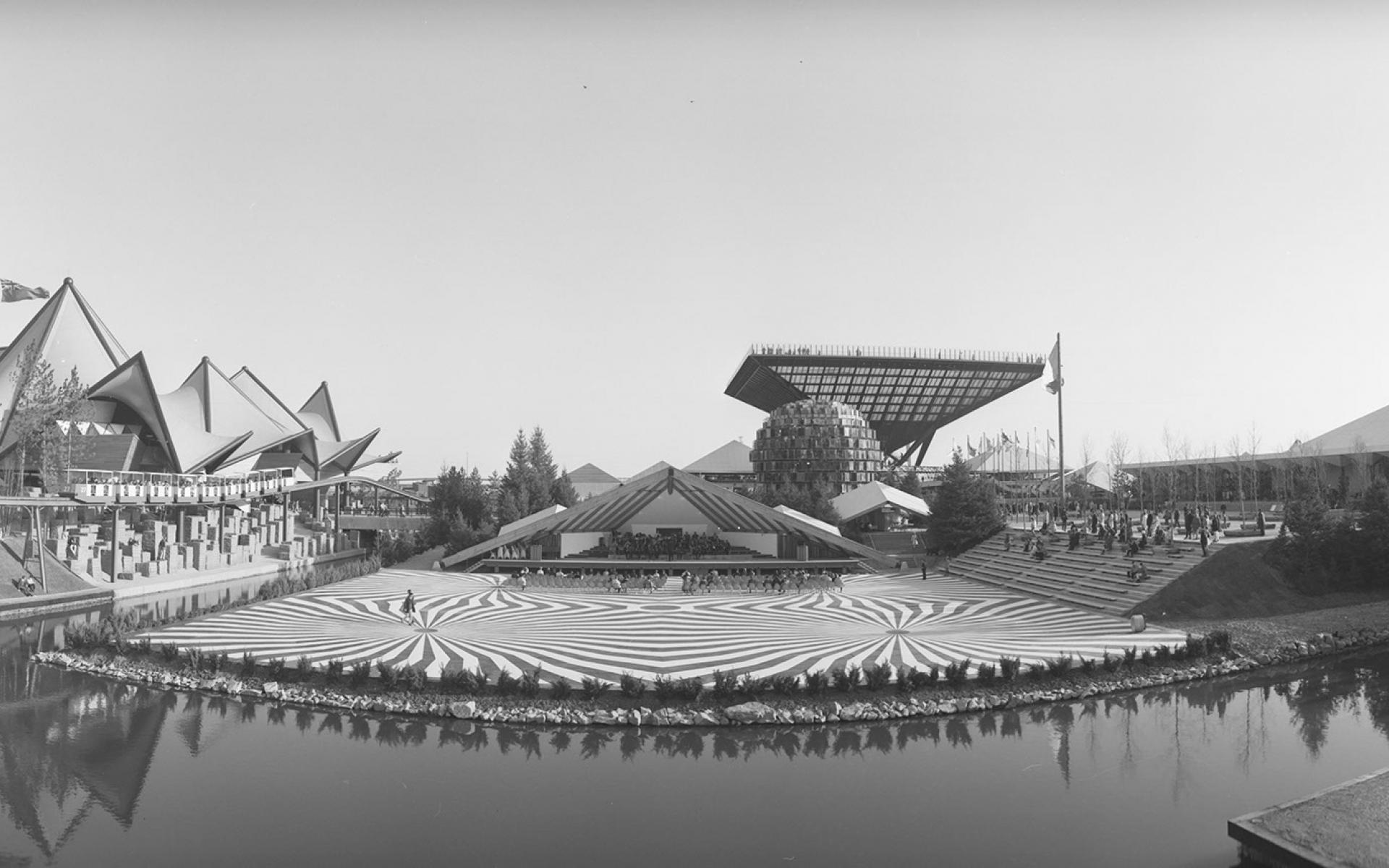 Pavillon de l'Ontario et pavillon du Canada à l'Expo 67