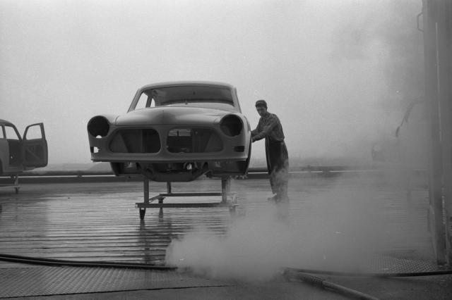 Ouvrier de l'usine d'automobiles de Volvo à Dartmouth, en Nouvelle-Écosse